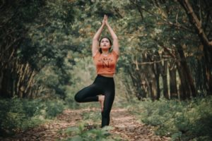 THE BENEFITS OF YOGA FOR DRUG ADDICTS AND ALCOHOLICS